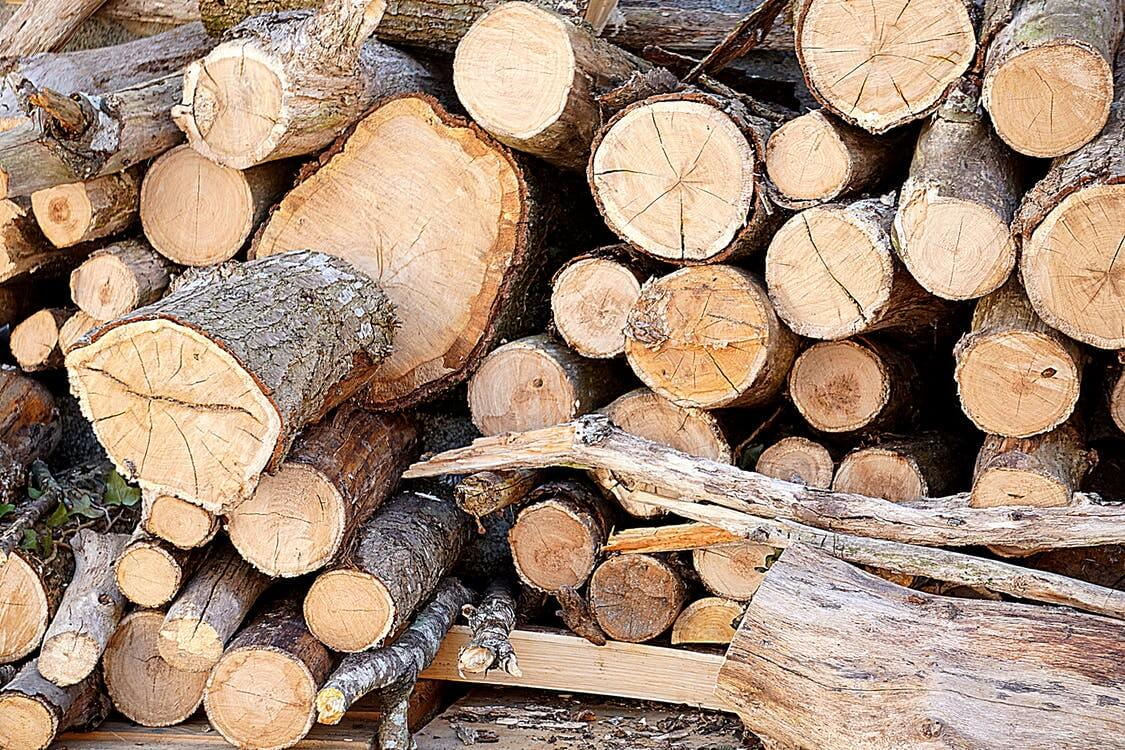Firewood processing, storing, and burning tips for heating your home efficiently